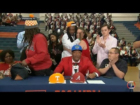 Mother Storms Off On National TV After Son Chose To Sign With The  Univ Of Florida