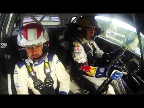 VW Motorsport testa no asfalto germânico