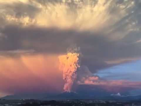 Volcano calbuco erupt in Chile 2017