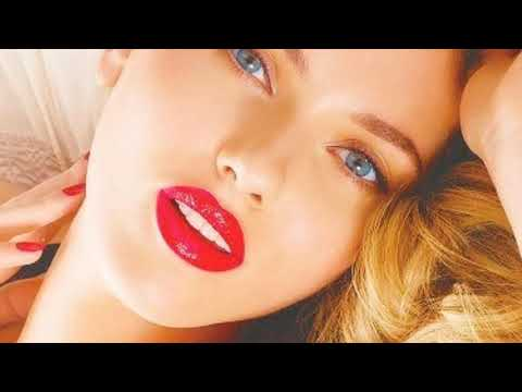 У Scarlett Johnson  самые сексуальные видеоролики и фотографии Посмотрите до конца обязательно!