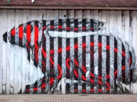 London Street Art And Graffiti 2011 Banksy Street Art Eine Roa