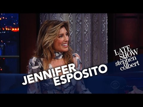 Jennifer Esposito Shares An Epicly Tragic Autocorrect Story