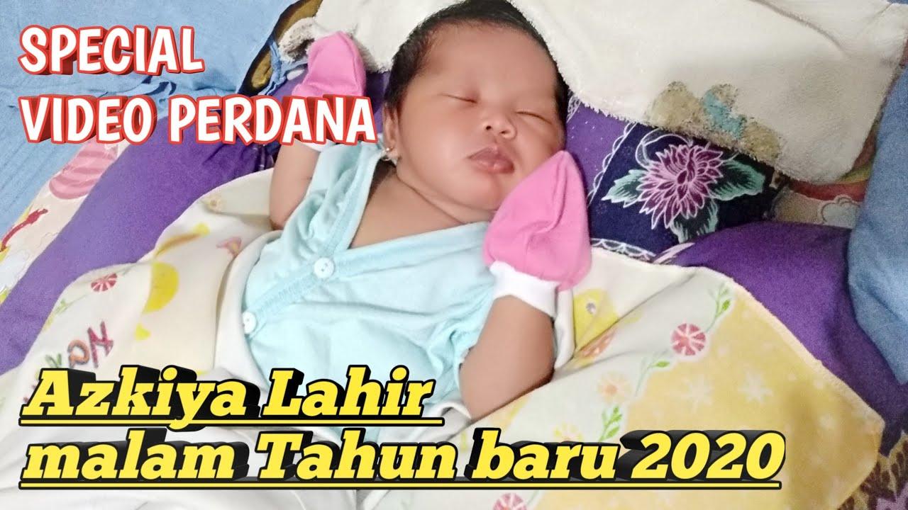 Gemesin azkiya bayi pintar || bayi lahir di malam tahun ...