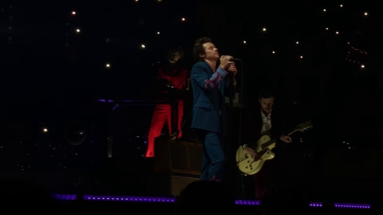 Harry styles sign of the times madison square garden - Harry styles madison square garden ...