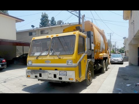 City of Whittier - CCC LET2 - McNeilus Rear Loader (Bulk Waste)