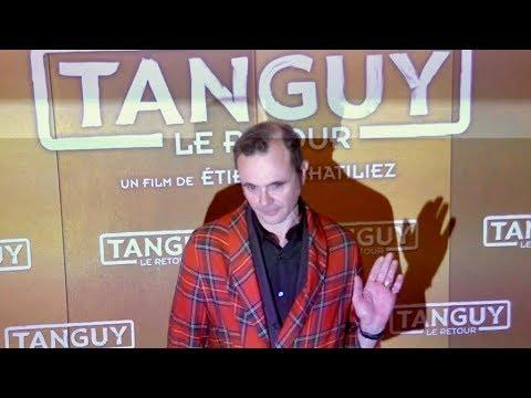 EXCLUSIVE : Eric Berger en peignoir a la premiere de Tanguy Le retour a Paris