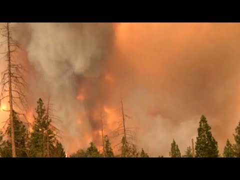 Dangerous conditions from California wildfire close Yosemite National Park