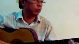 Gái xuân Văn Hiến hát và đàn guitar