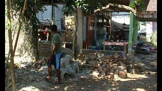 Download Video Gempa Bermagnitudo 6,3 Guncang Jawa Timur & Bali MP3 3GP MP4