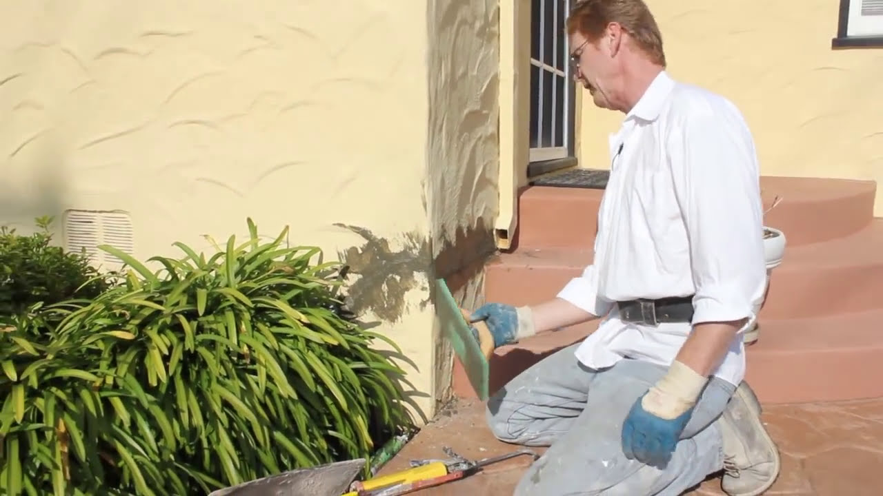 How to patch stucco cracks - Repair Large Stucco Cracks With Strong Caulking And Stucco Finish Youtube