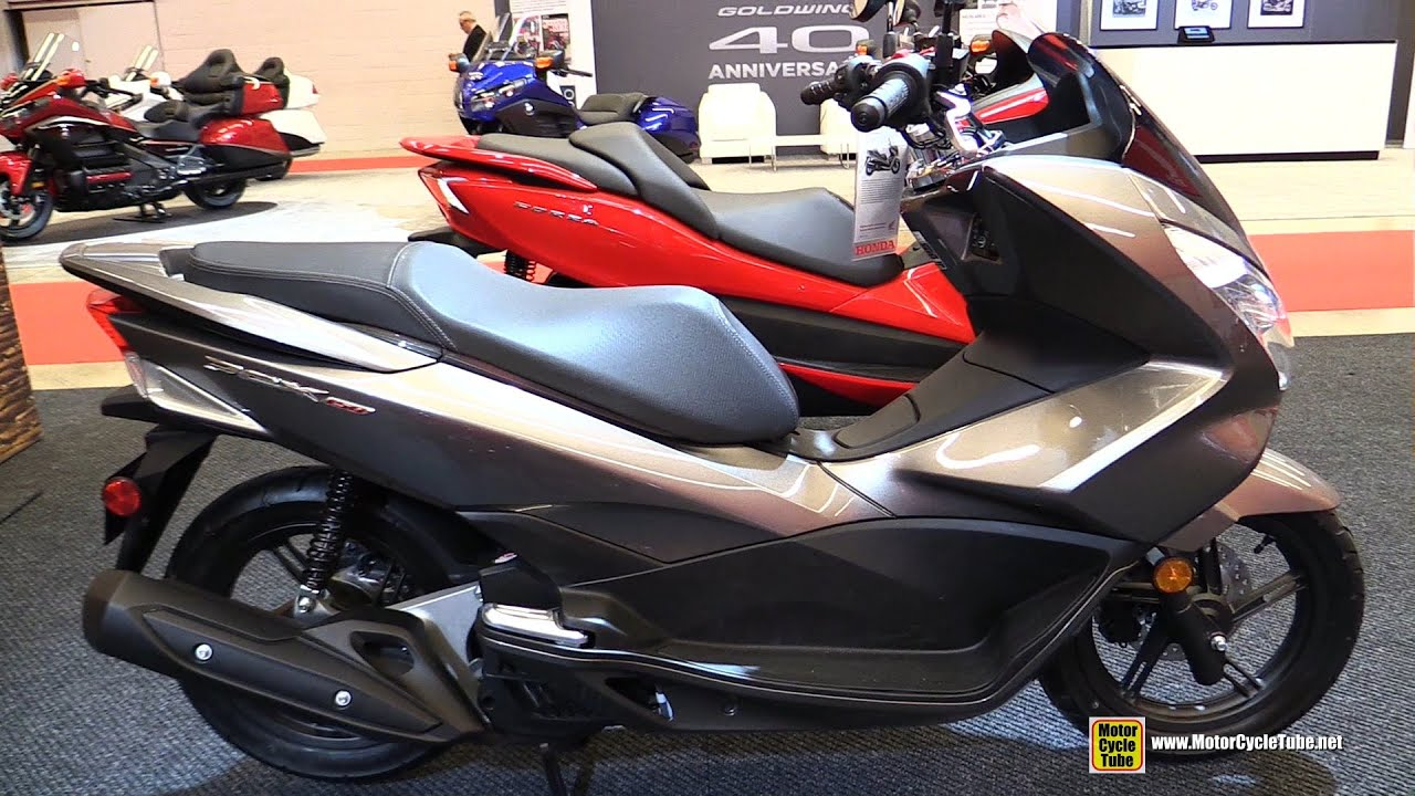 2015 honda pcx 150 scooter walkaround 2015 salon moto de montreal youtube. Black Bedroom Furniture Sets. Home Design Ideas