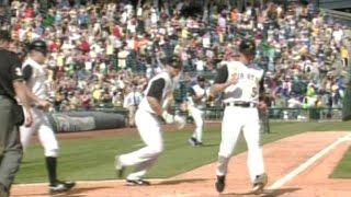 MLB: Bay singles to left, scoring the winning run