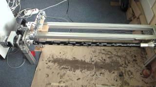 Herstellungsprozess eines gewickelten CFK Rohres in Echtzeit (Selfmade machine)