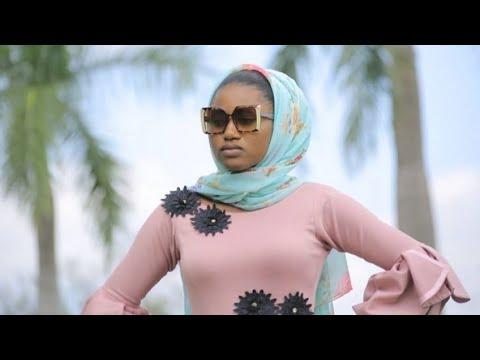 Download Sabuwar Waka ( Yarinya Mai Shekewa Samari Kudi) Latest Hausa Song Original Video 2020#