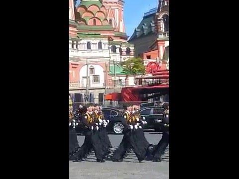 Генеральная репетиция парада победы 2015 (Китайцы поют Катюшу))))