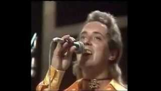Watch Showaddywaddy Mona Lisa video