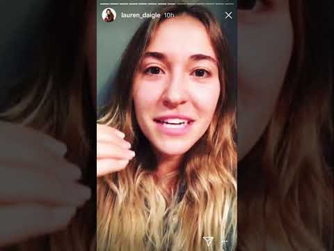 Lauren Daigle speaking about generosity and Fashionable
