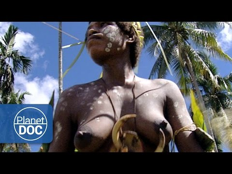 Women Crocodile in Papua New Guinea | World Curiosities