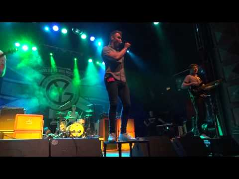Don Broco - Hold On (Kafe Antzokia, Bilbao, Spain 25.10.2012) HD