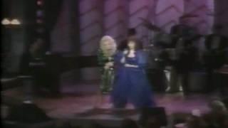 DOLLY PARTON & LORETTA LYNN- SING A MEDLEY OF LORETTA'S HITS