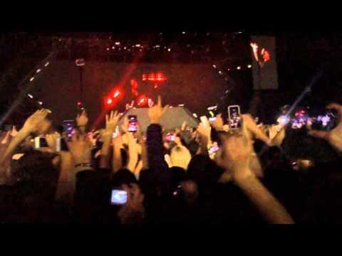 Intro Avicii @ True Tour, Paris Bercy⎜Avicii - Hey Brother (Syn Cole Remix / Original Mix)