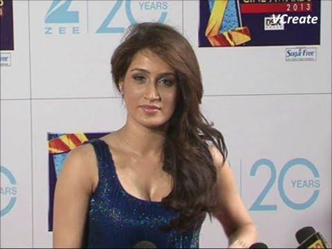 Sagarika Ghatge's neck line show at zee cine awards.