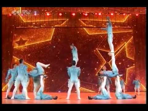 Unbelievable Performance by Chinese Acrobats