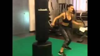 Tecnica di Taekwondo al sacco con Silvia Caruso