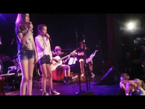 Muziektuin club OBS Triangel eigen nummer Lotte en Lara Alles gaat vanzelf