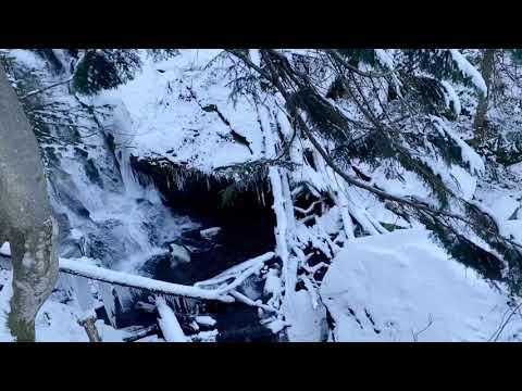 Трибуна: Зимовий водоспад в урочищі Шипот