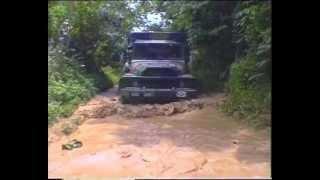 6ème RPIMA - parachutistes - Libreville - Gabon 96 - quand la mousson détrempe les pistes ... -