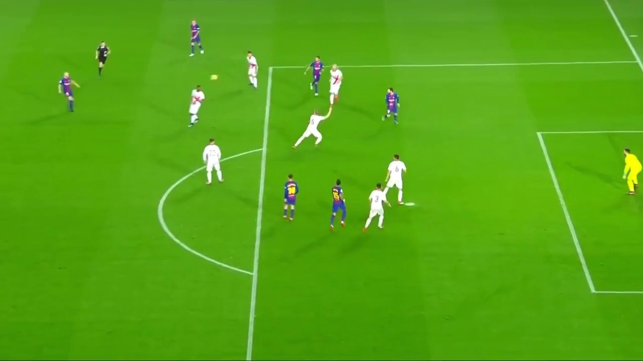 Download How Messi DESTROYS Offside Traps with Paulinho   2018   HD
