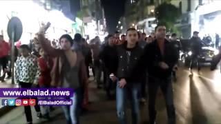 فرحة عارمة لجماهير الأهلي بشوارع وسط البلد بعد الفوز على الزمالك.. فيديو
