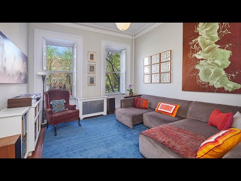 Brown Harris Stevens presents 36 4th Place, Carroll Gardens, New York