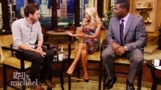 Michael Strahan Replaces Regis Philbin on 'Live! With Kelly'