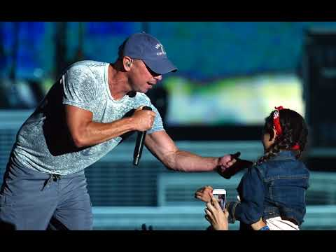 "Kenny Chesney's New Song Is About ""Getting Along"""
