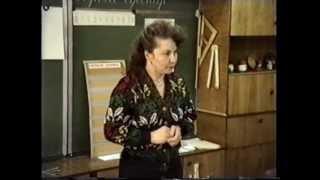 Урок трудового обучения во 2 классе. Соловьева Н С Циркуль и линейка 1994 год