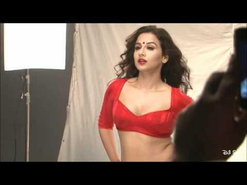 The Dirty Picture - Poster (Vidya Balan's Hot Photoshoot) Making [HD]