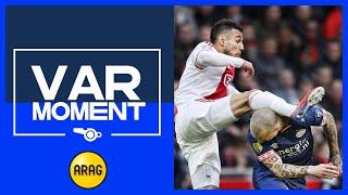 VAR | Mazraoui krijgt rode kaart in Kampioenskraker