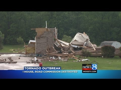 6 tornadoes reported in Flint area