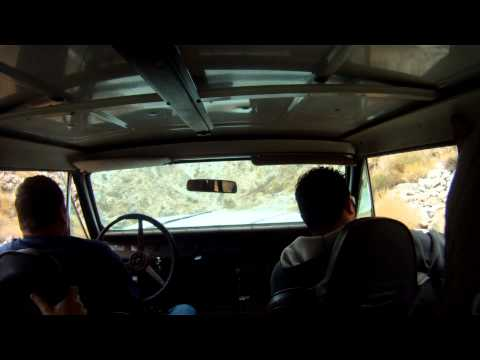 International harvester Scout 4x4 grinding the crack