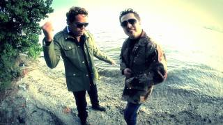 Mensaje De Texto- AK2BROS-Official Video.
