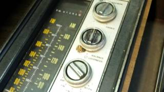 Curb Side Pickup: Magnavox Console Radio 1973 Model:1P3673