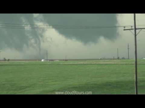 Wicked tornado south of Dodge City, KS