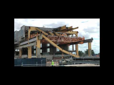 Bradwell's Turbine Hall Crane Removal.wmv