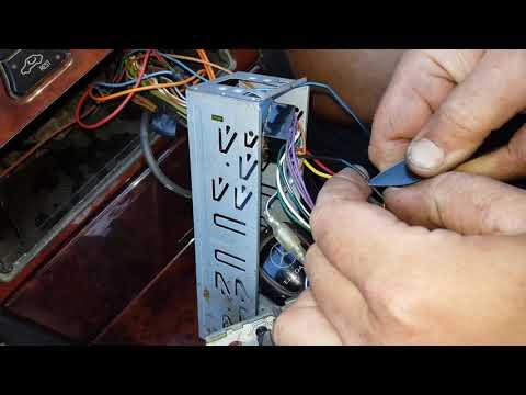 Установка магнитолы в MERCEDES 210