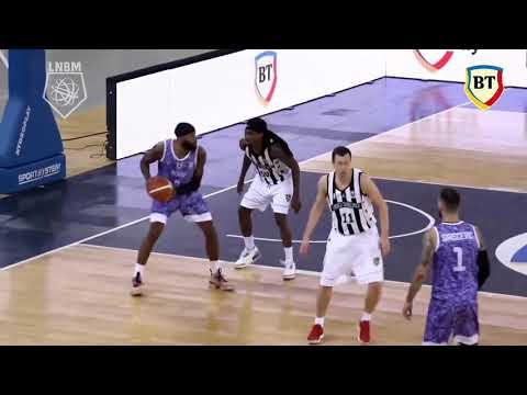 2018.10.06 Tony Bishop Slam Dunk vs U-BT Cluj-Napoca