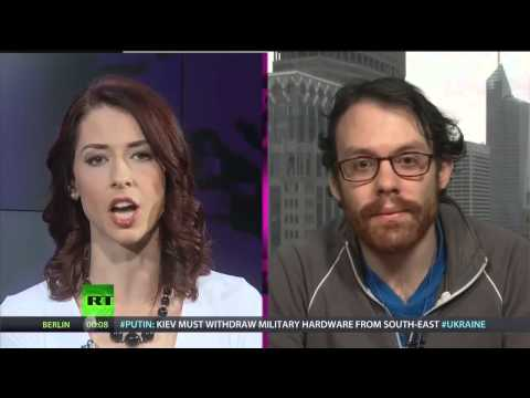 """Andrew """"weev"""" Auernheimer speaks with Abby Martin about his time in prison and TRO LLC"""