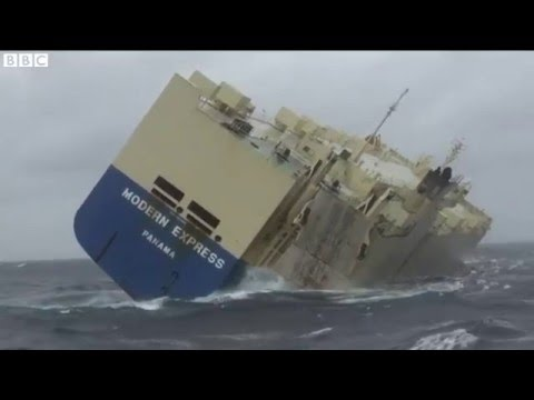 Final attempt to tow stranded cargo ship