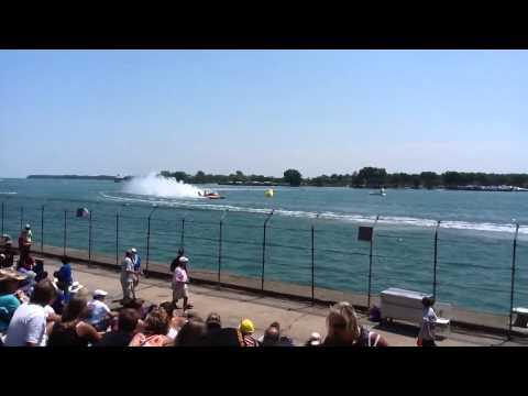 Detroit's Best: Events - Hydroplane Boat Races - Detroit Gold Cup